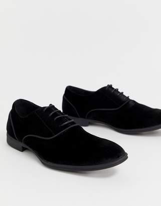 New Look faux velvet loafer in black