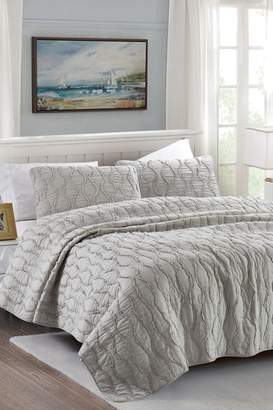 California Design Den Full/Queen Wavy S Ruffled Quilt Set - Light Gray