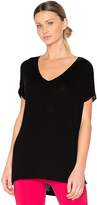 Beyond Yoga Every Weekender V Neck in Black. - size XS (also in )