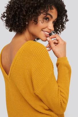 NA-KD Knitted Deep V-neck Sweater Beige