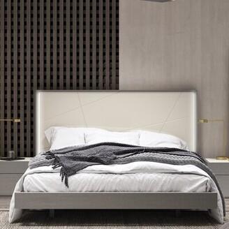J&M Furniture Riehle Upholstered Platform Bed Size: King