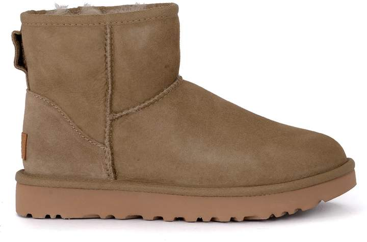 25c0fccdd77 Classic Ii Mini Antelope Suede Sheepskin Ankle Boots.