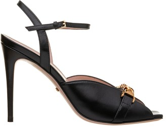 Gucci Sandal With Chain
