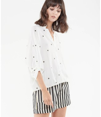 Le Temps Des Cerises Star Print Blouse with High-Neck and 3/4 Length Sleeves