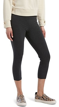 Hue Wide Waistband Blackout Capri Leggings