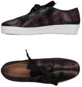 Pas De Rouge Low-tops & sneakers