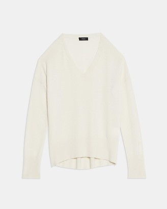 Theory Karenia V-Neck Sweater in Cashmere