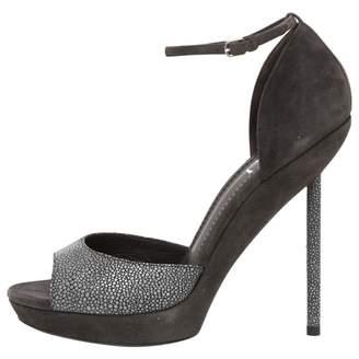 Saint Laurent \N Grey Suede Sandals