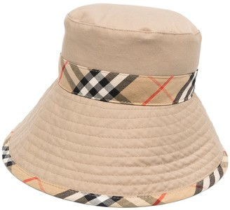 Burberry Pre-Owned Nova Check bucket hat