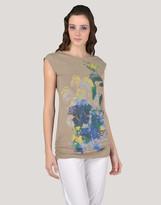 Philosophy di Alberta Ferretti Sleeveless t-shirts