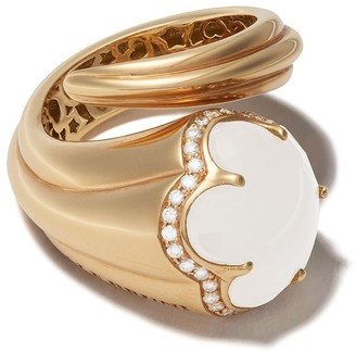 Pasquale Bruni 18kt yellow gold Bon Ton milky quartz, mother-of-pearl and diamond cocktail ring