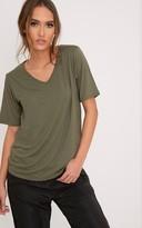 PrettyLittleThing Basic Khaki V-Neck Oversized T-Shirt