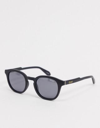 Quay Walk On mens round sunglasses in black