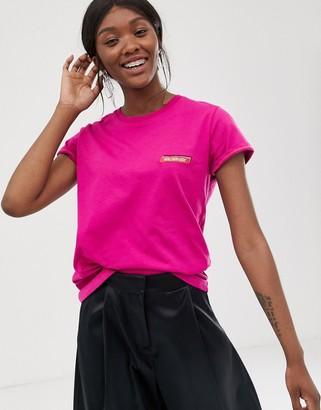 Gestuz Wild slogan t-shirt-Pink