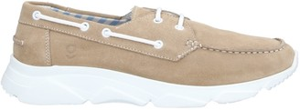 GULLWING Low-tops & sneakers