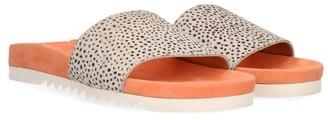 Maruti Footwear Berlin Flipflops Pixel In Peach - 37