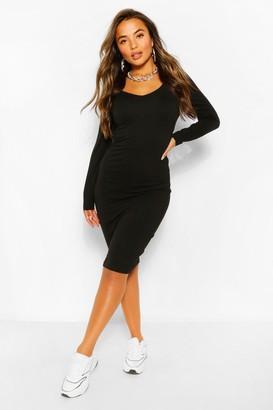 boohoo Petite Basic V-Neck Midi Dress
