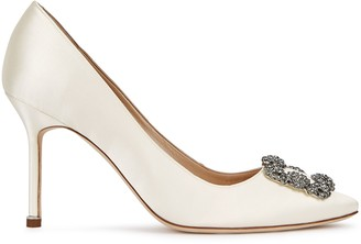 Manolo Blahnik Hangisi 90 Ivory Silk Satin Pumps