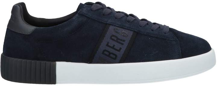 new style f9d13 bc8bd Sneakers