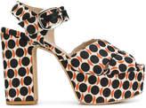 Strategia platform print sandals
