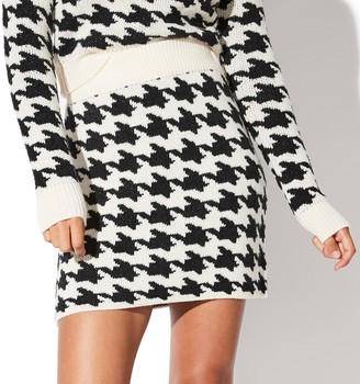 Juniors' Vylette Houndstooth Sweater Skirt