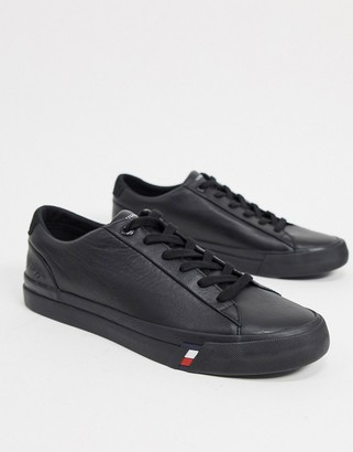 Tommy Hilfiger corporate leather trainer in black with side logo