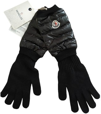 Moncler Black Wool Gloves