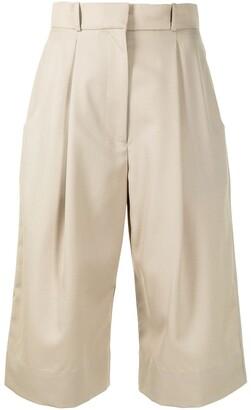 Low Classic Wide-Leg Wool Shorts