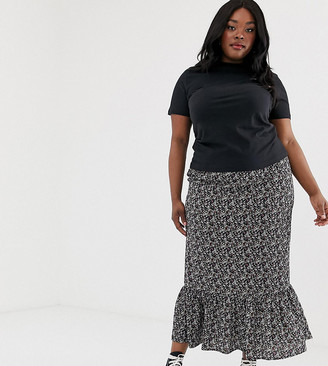 New Look Plus Curve maxi skirt in black floral pattern