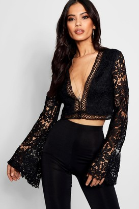 boohoo Flare Sleeve Plunge Lace Crochet Crop