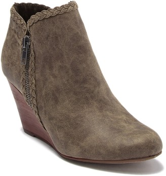 Report Gage Wedge Bootie
