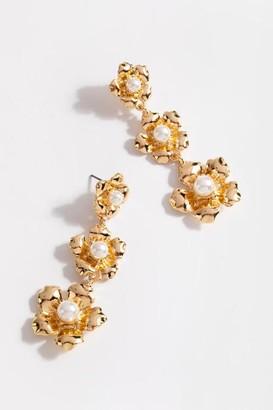 francesca's Helen Pearl Blossom Linear Earrings - Gold