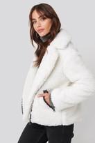 NA-KD Hannalicious X Short Faux Fur Belted Biker Jacket White