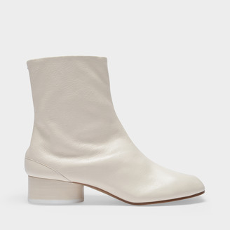Maison Margiela Ankle Boots Tabi H30 In White Soft Vintage Leather