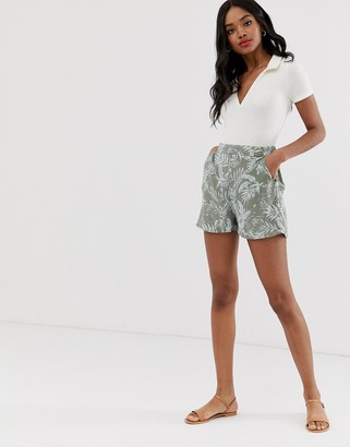 New Look shorts in tropical floral print