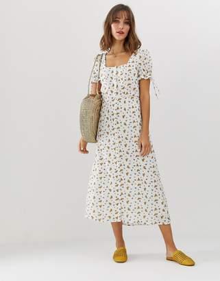 Vero Moda square neck ditsy floral maxi tea dress-Cream