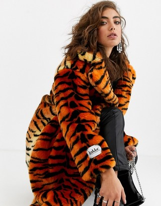 Jakke long coat in faux fur tiger print-Orange