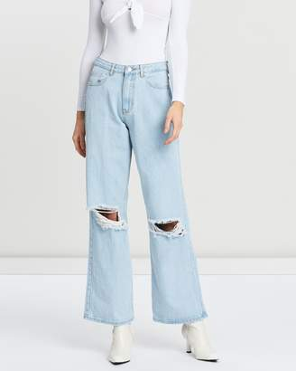 Missguided Distress Full-Length Straight Jeans