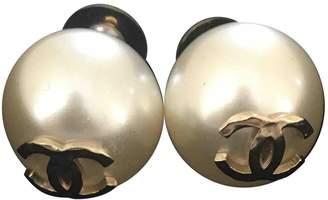 Chanel White Pearl Earrings