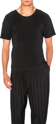 Issey Miyake Homme Plisse Short Sleeve Tee in Black | FWRD