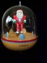 Hallmark COUNTRY SHOWTIME (Blinking Lights & Motion) 1994 Ornament QLX7416