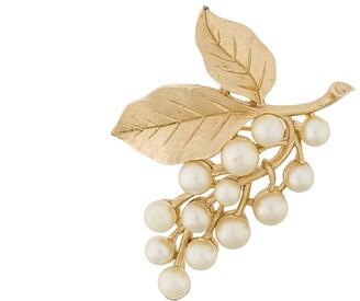 Susan Caplan Vintage Trifari Faux Pearl Leafy Brooch