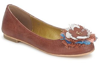 Maruti AIDA women's Shoes (Pumps / Ballerinas) in Red
