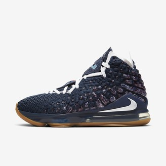Nike Basketball Shoe LeBron 17
