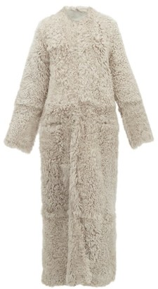 Raey Collarless Curly Shearling Maxi Coat - Grey