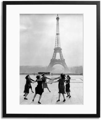 Sonic Editions Dancing in front of the Eiffel Tower