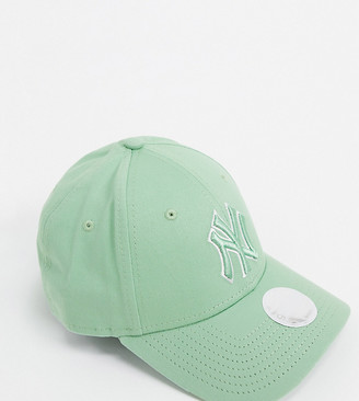 New Era Exclusive 9Forty cap in mint green with tonal outline NY