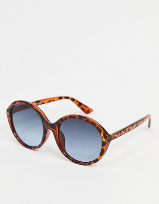 A. J. Morgan AJ Morgan round sunglasses in tortoise shell