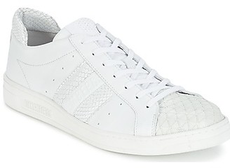 Bikkembergs BOUNCE 588 LEATHER men's Shoes (Trainers) in White