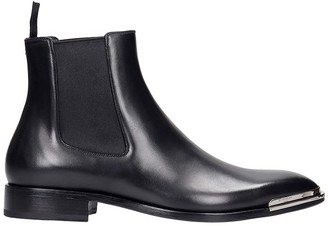 Givenchy Classic Chelsea Low Heels Ankle Boots In Black Leather